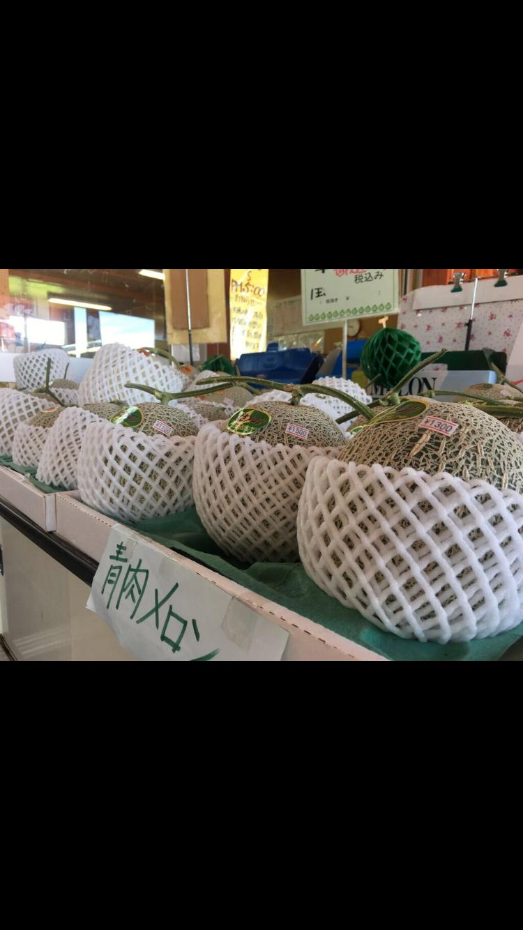 北海道の道の駅で売られる赤肉メロン