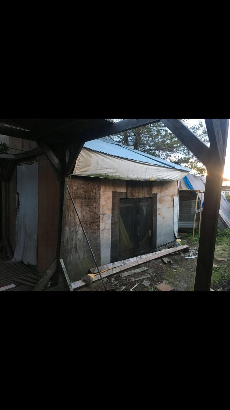 北海道のライダーハウスの老舗間溢れる掘立小屋